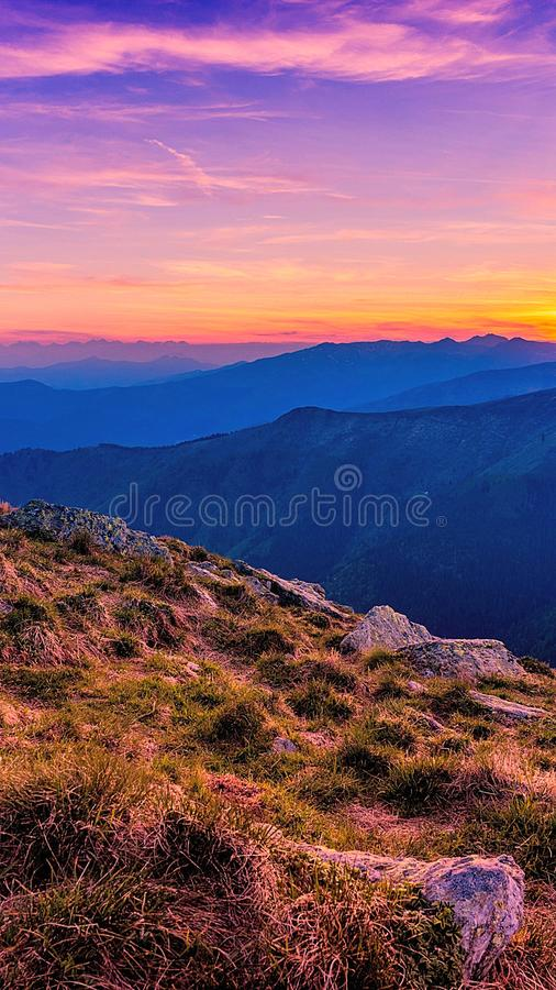 Överträffa av berg royaltyfri bild