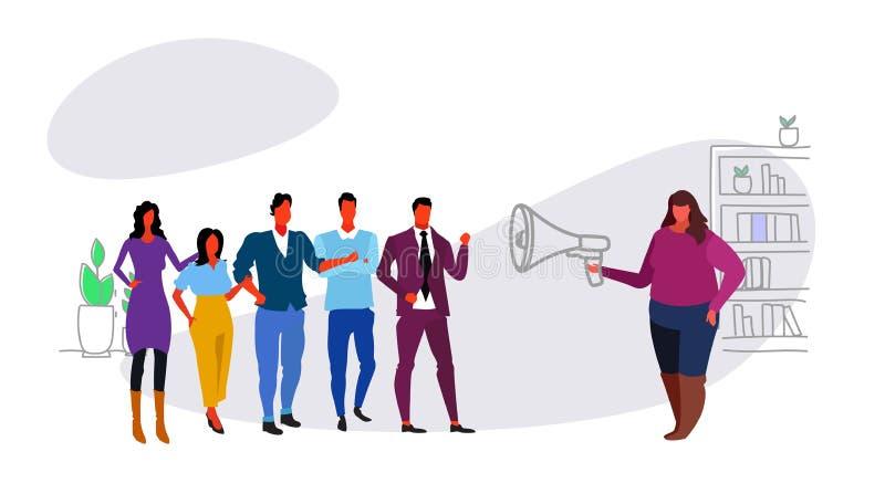 Överviktig fet megafon för affärskvinnaframstickandeinnehav som skriker på meddelandet för information om ledare för anställdkvin royaltyfri illustrationer