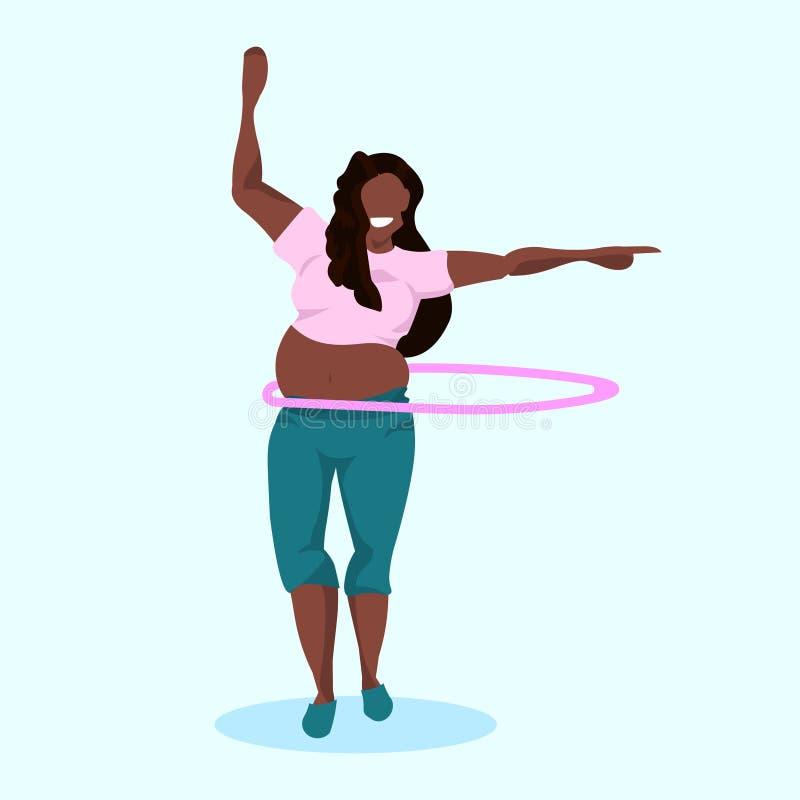 Överviktig kvinna som gör gymnastisk roterande genomkörare med längd för begrepp för förlust för vikt för flicka för hulabeslagaf stock illustrationer