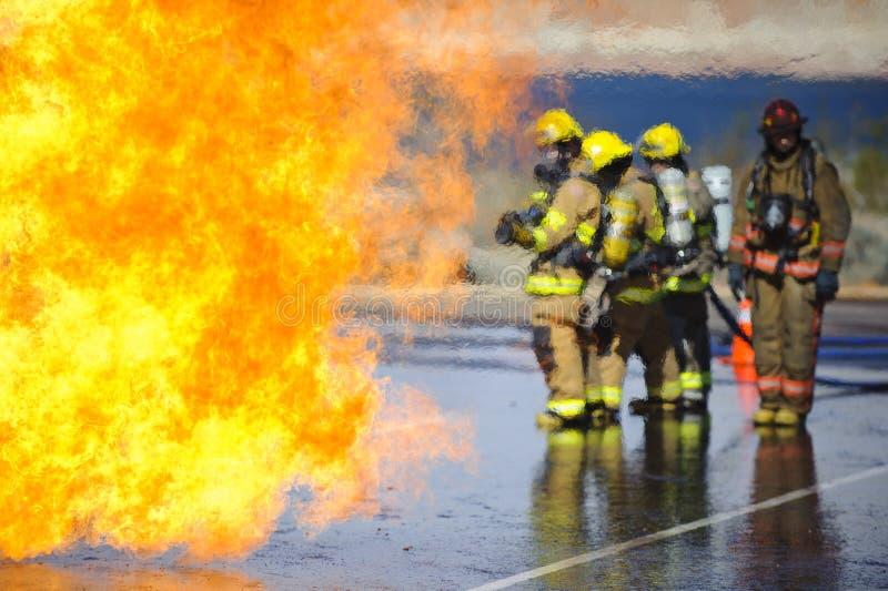övningsbrandutbildning arkivbild