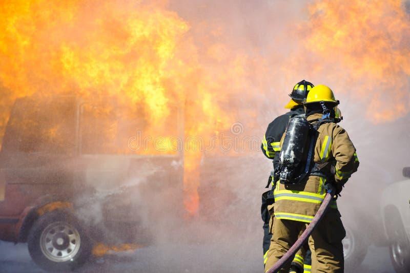 övningsbrandutbildning arkivfoto