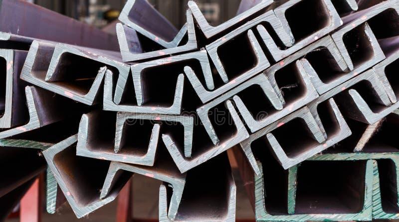 Övre hög för slut av stål för U-formstråle royaltyfria foton