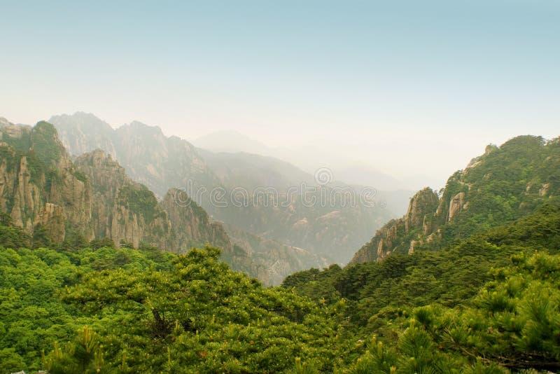 övre sikt huangshan för enormt berg arkivbilder