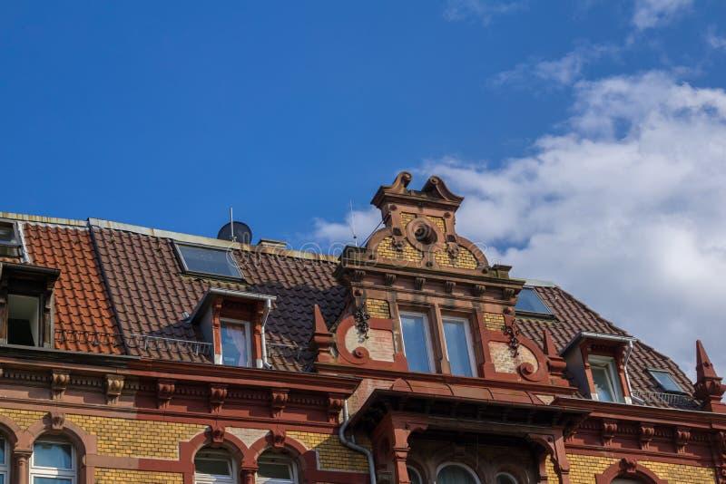 Övredelen av ett gammalt hus i Tyskland royaltyfria foton