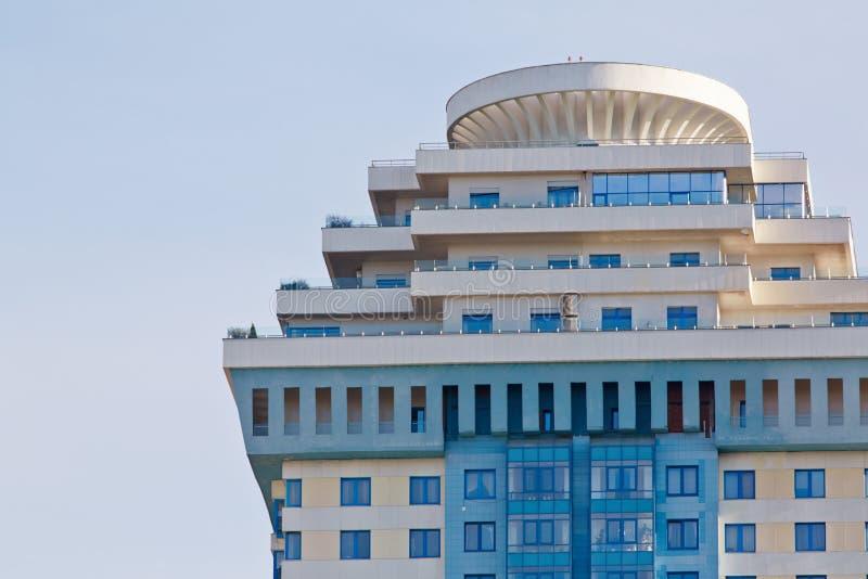 Övregolv av byggnad av kullar för sparv för lägenhetkomplex arkivfoton