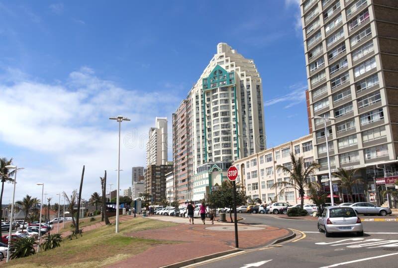 ÖvreMarine Parade Lined med hotell på Durban, Sydafrika arkivbilder