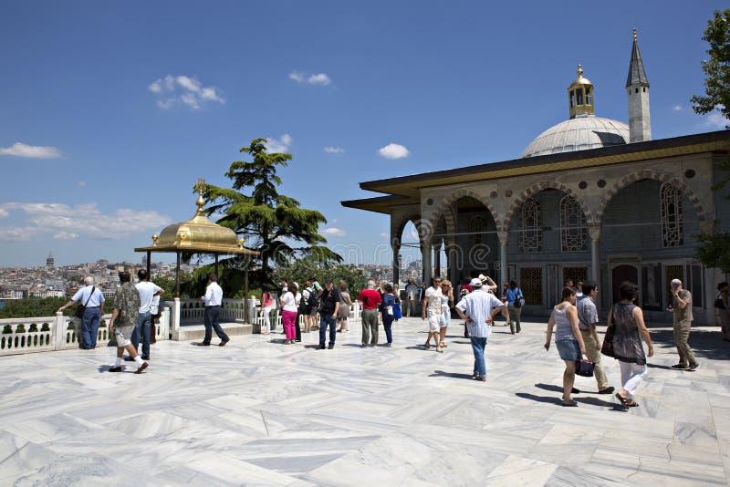 Övreterrass och Baghdad Kiosk, Topkapi slott royaltyfria bilder