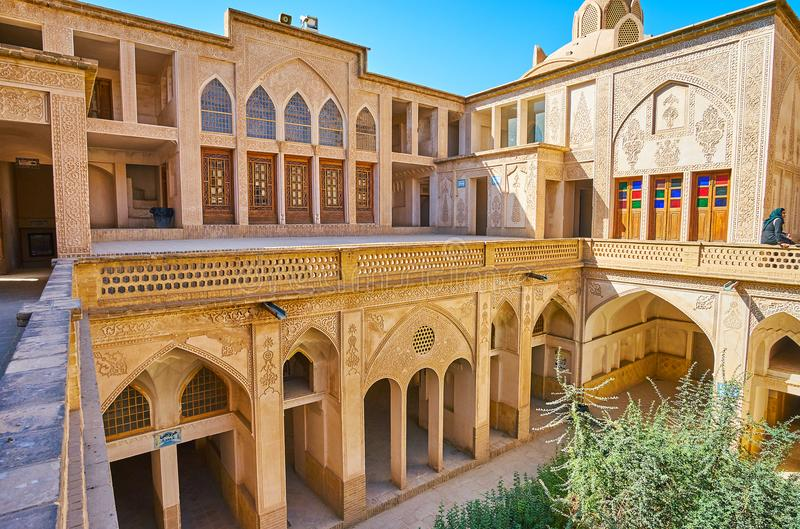 Övreterrassen av det Abbasi huset, Kashan, Iran royaltyfri fotografi