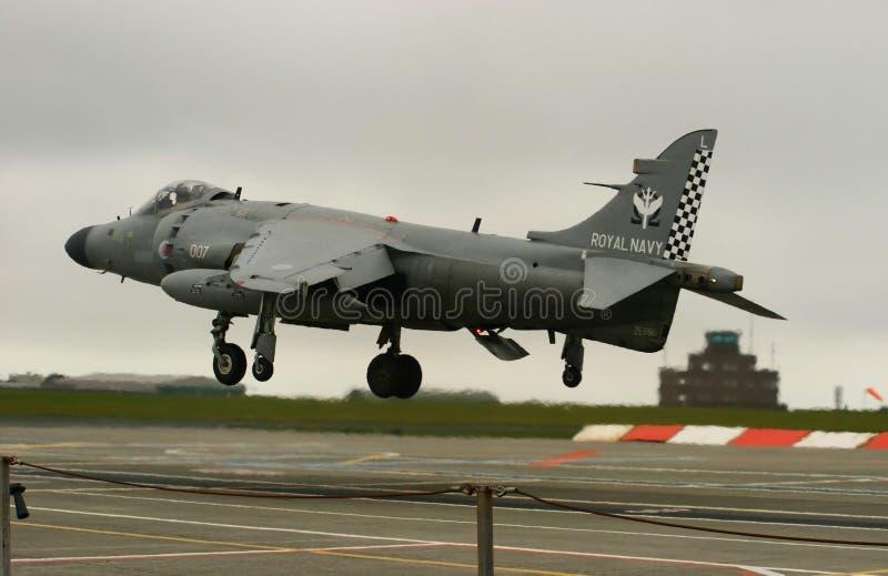 A última aterragem do Harrier do mar foto de stock