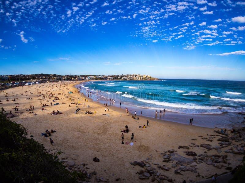 Última hora de la tarde en la playa de Bondi, NSW, Australia foto de archivo
