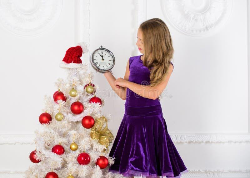 Último minuto até a meia-noite Contagem regressiva do ano novo Últimos planos da véspera de anos novos do minuto que são realment imagem de stock
