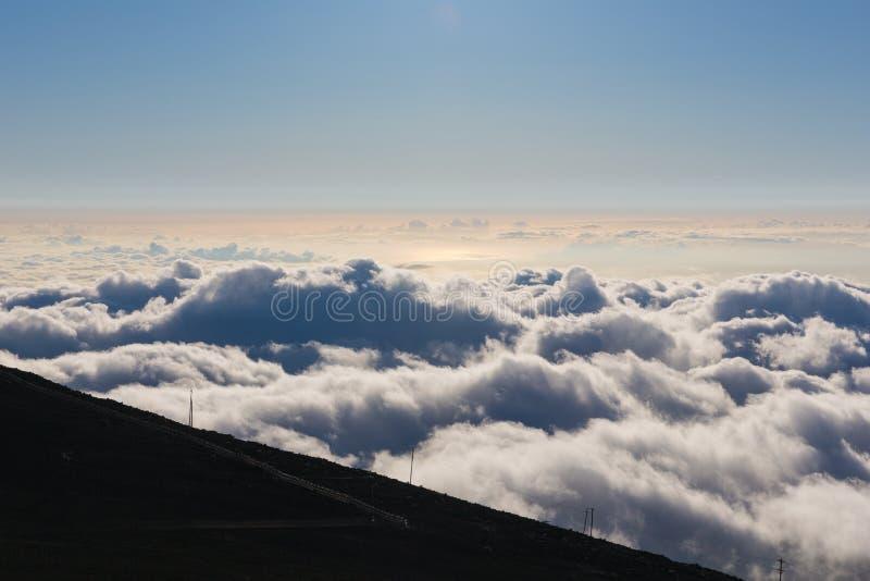 Últimos momentos da luz do dia em Haleakala imagens de stock