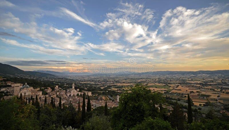 Úmbria, Itália, paisagem da cidade de Assisi fotos de stock
