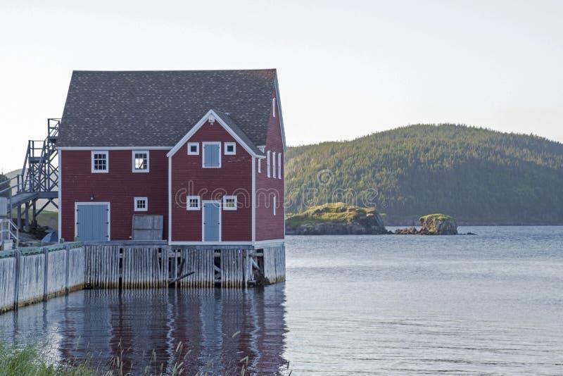 Única casa na costa de Oceano Atlântico fotos de stock royalty free