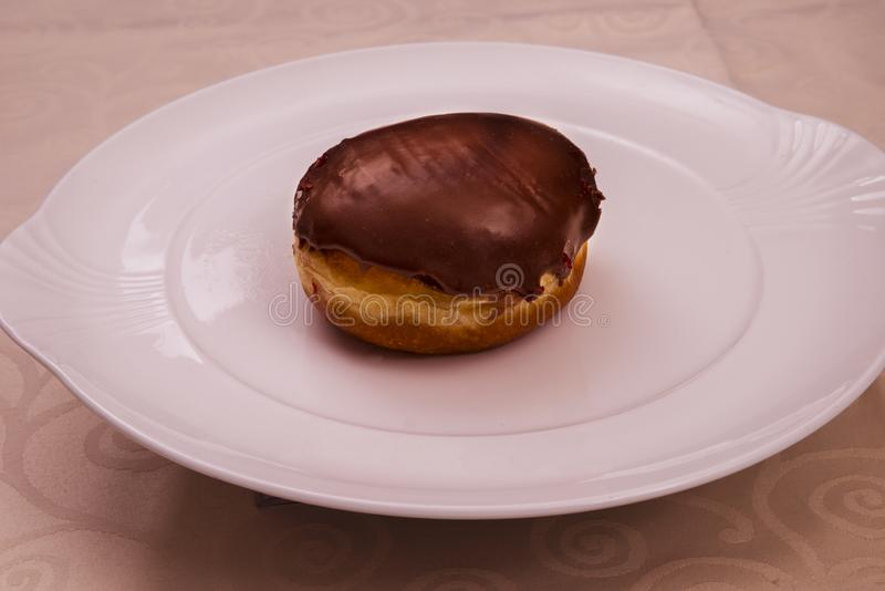 Única filhós chocolate-enchida foto de stock