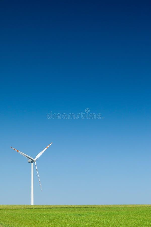 Única turbina de vento foto de stock