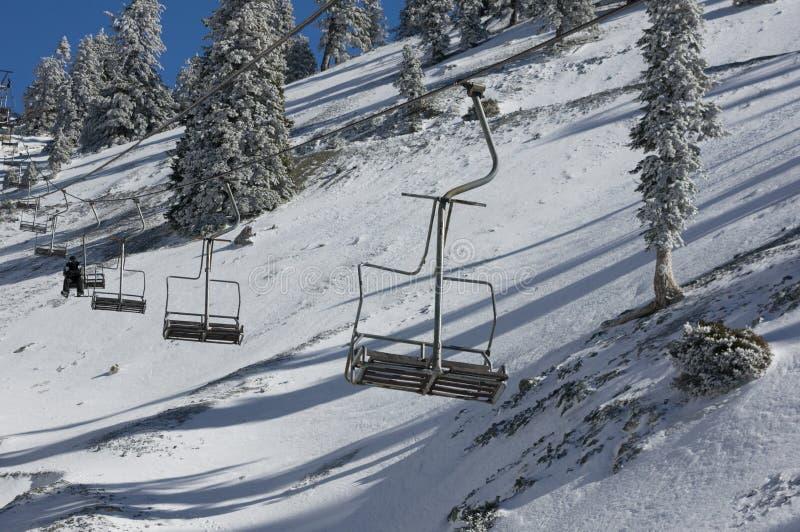 Elevador de cadeira do Mt. Baldy fotos de stock royalty free