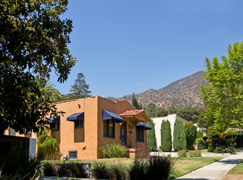 Único domicílio familiar do Terracotta bonito imagens de stock royalty free