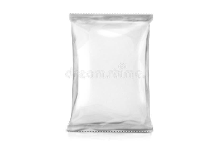 Único empacotamento vazio branco do saco Pacote da folha Bloco do metal Apronte para seu projeto Sobre o fundo branco fotografia de stock royalty free