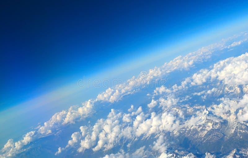 Über den Alpen stockfotos