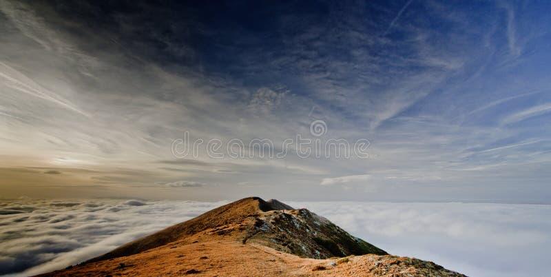 Über den Wolken lizenzfreie stockfotos