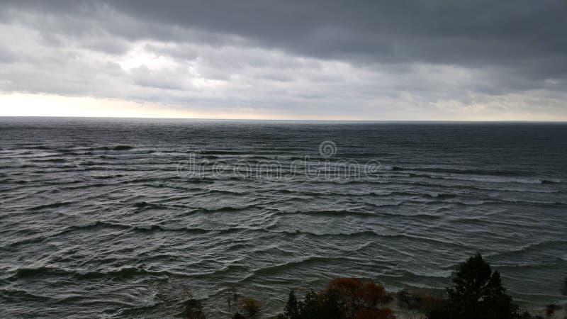 Überblick über Wald und Great Lakes lizenzfreie stockbilder