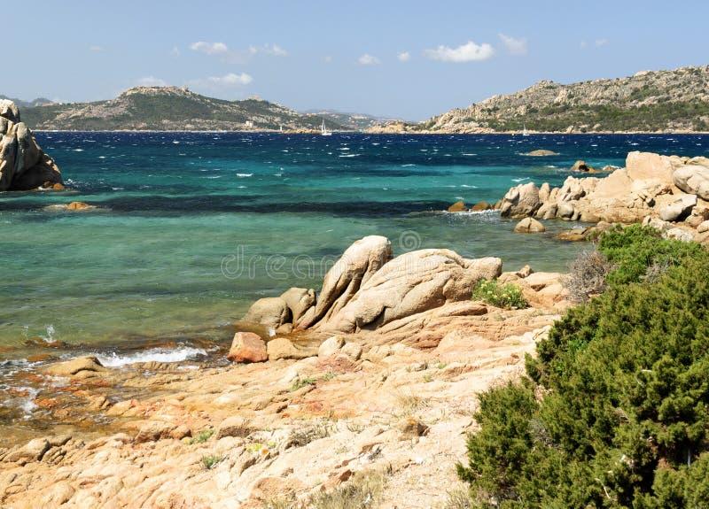 Download Überblick in Sardinien stockfoto. Bild von nave, himmel - 26359478