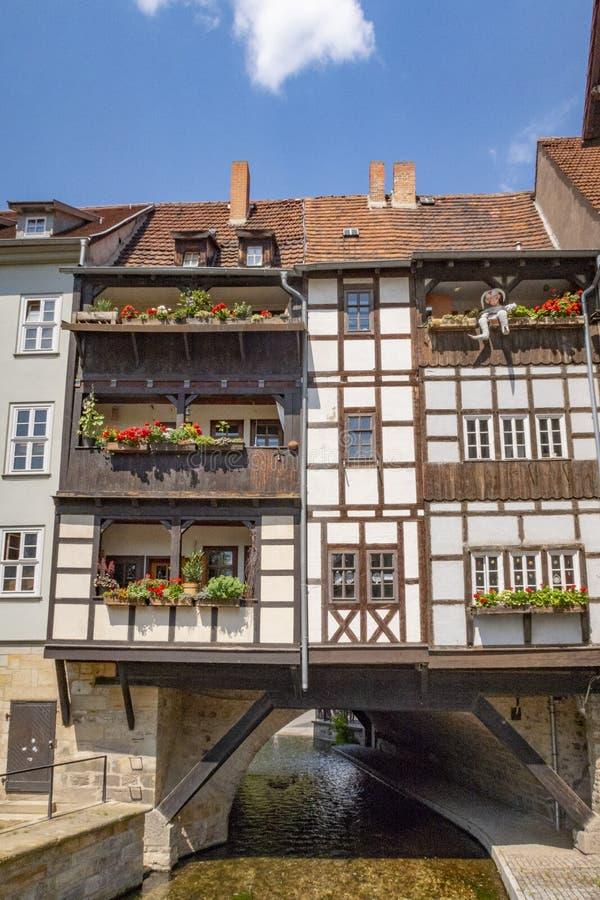 Überbrücken Sie Kramerbrucke in Erfurt an einem schönen Sommertag, Deutschland stockfotos
