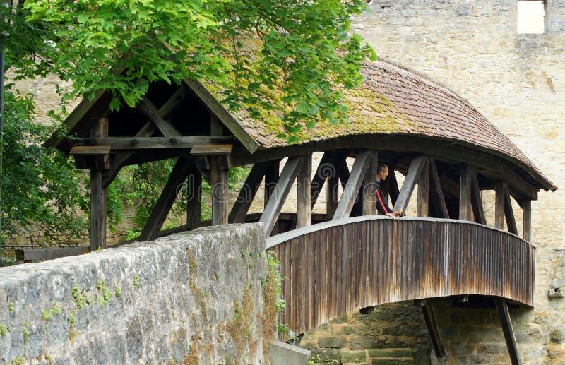 Überdachte Brücke in Rothenburg lizenzfreies stockbild