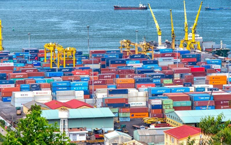 Überfluss an Danang-Hafen lizenzfreie stockbilder