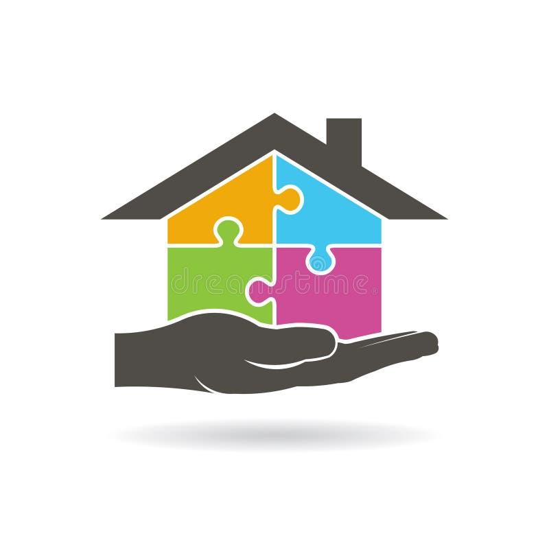 Übergeben Sie das Halten eines Hauses gebaut durch Stücke des Puzzlespiel-Logos lizenzfreie abbildung