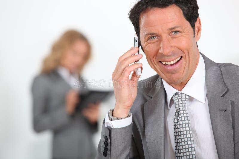 Überglücklicher Geschäftsmann lizenzfreies stockbild
