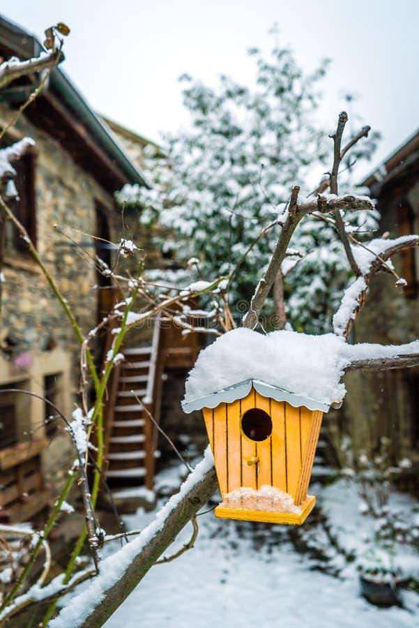 Überleben Sie den Winter lizenzfreies stockbild