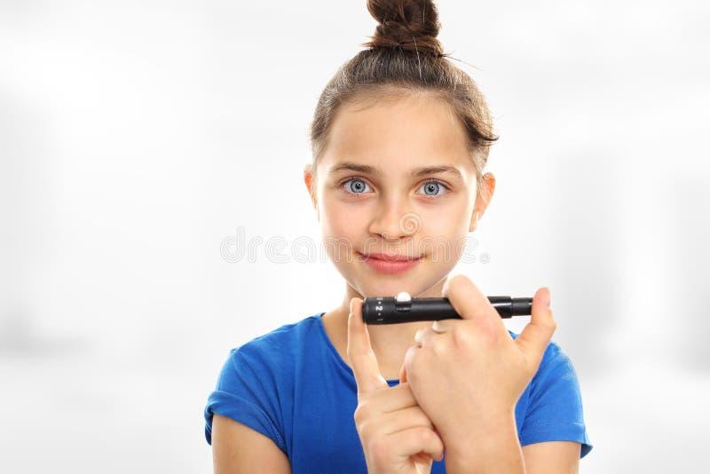 Überprüfen Sie Ihren Kinderzucker lizenzfreies stockfoto