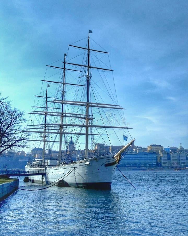 Überraschendes Schiff lizenzfreie stockbilder