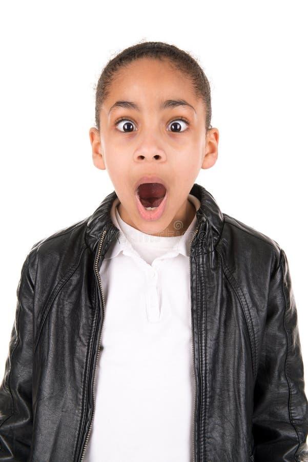 Überraschtes Kind lokalisiert im Weiß lizenzfreie stockfotos