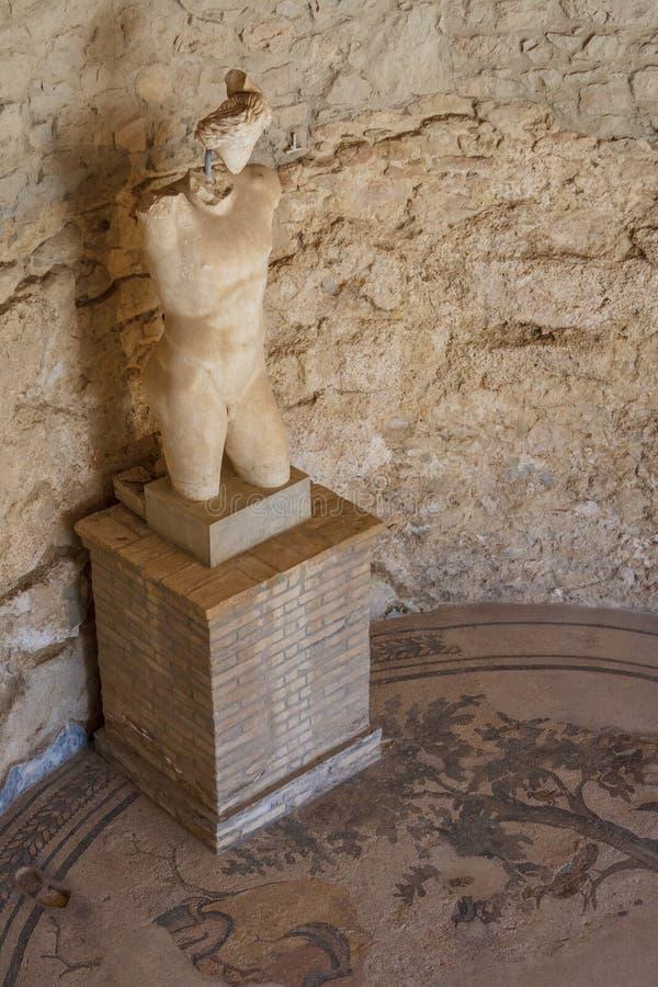 Überreste der Dekoration des alten Landhauses Romana del Casale lizenzfreie stockbilder