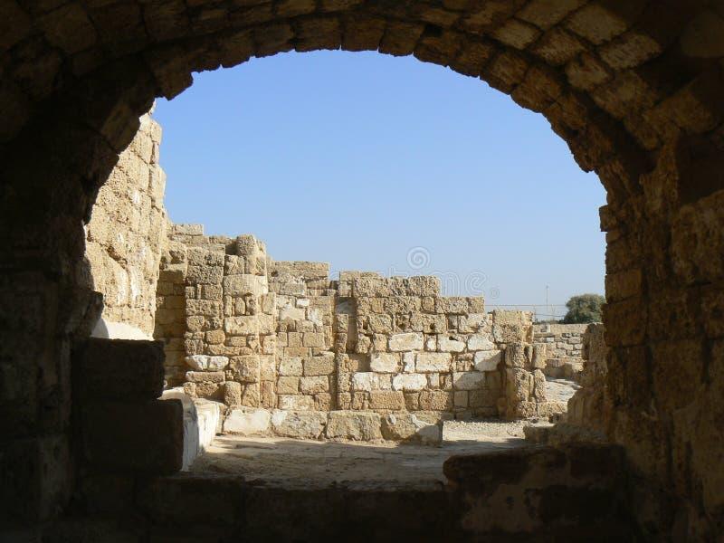 Überreste der römischen Hafenstrukturen stockfotos