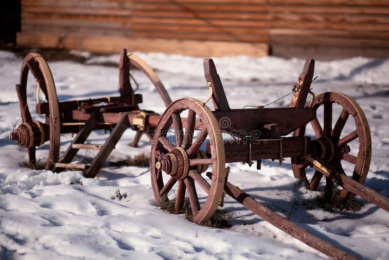 Überreste des landwirtschaftlichen Wagens lizenzfreie stockbilder