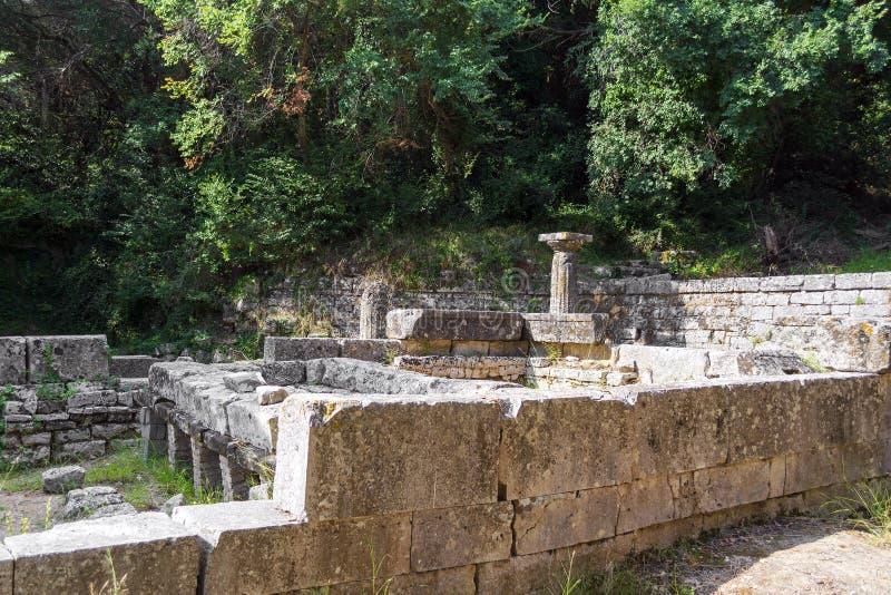 Überreste eines dorischen Tempels am Montag-Repospark, Korfu-Stadt, Griechenland stockfoto