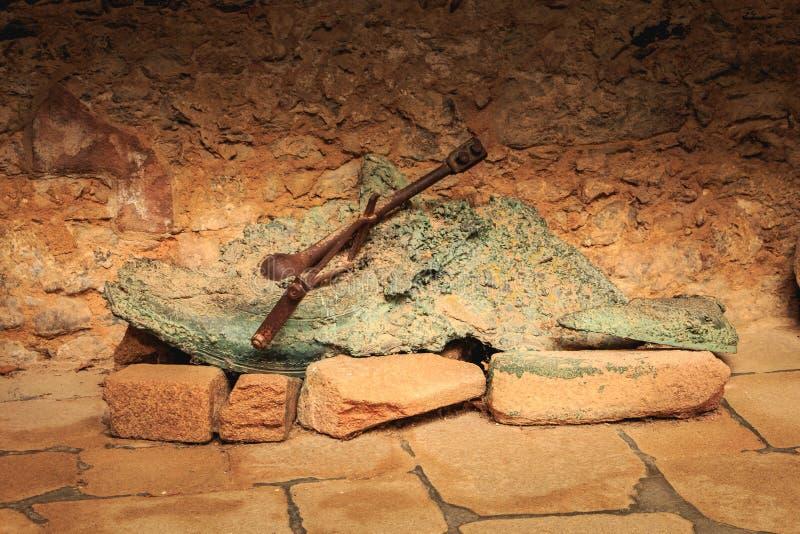 Überreste geschmolzene Glocken der Kirche zerstört durch Feuer lizenzfreies stockbild
