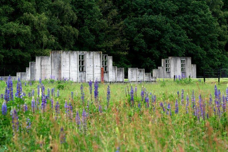 Überreste von Kasernen im Westerbork-Durchfahrtlager lizenzfreie stockfotografie