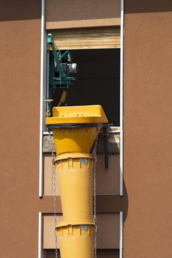 Überschüssige Rückstand-Rutsche - Baustelle lizenzfreies stockbild