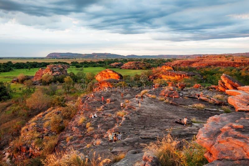 Überschwemmt mit Sonnenunterganglicht an Ubirr-Felsen - Nordterritorium, Australien lizenzfreie stockfotografie