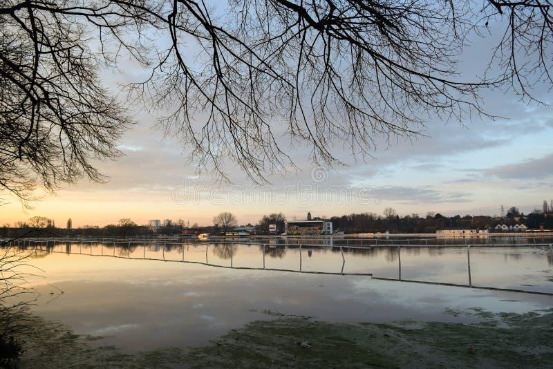 Überschwemmte Pitchcroft-Rennstrecke stockbild