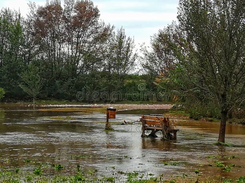 Überschwemmtes ländliches Gebiet stockbild