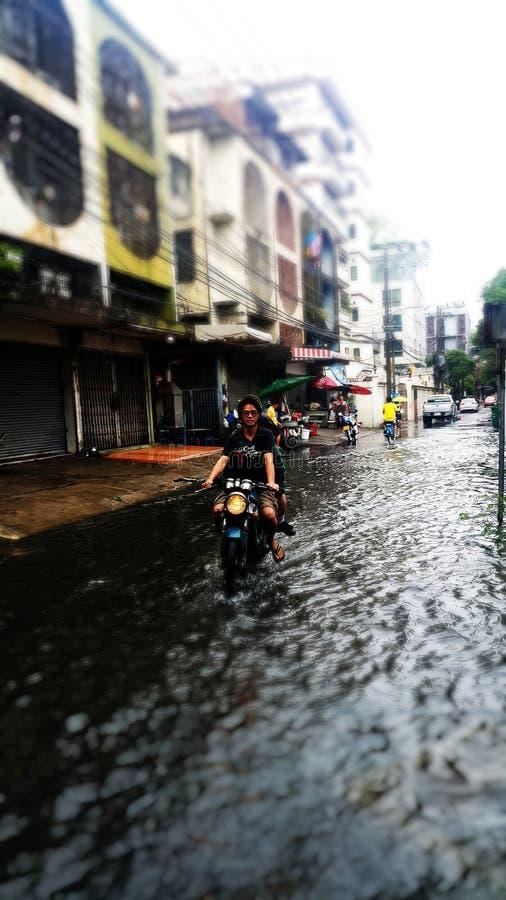 Überschwemmung in Bangkok lizenzfreie stockfotografie