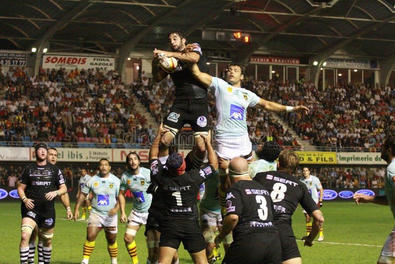 Übersteigen Sie Abgleichung USAP des Rugbys 14 gegen CA Brive stockfotos