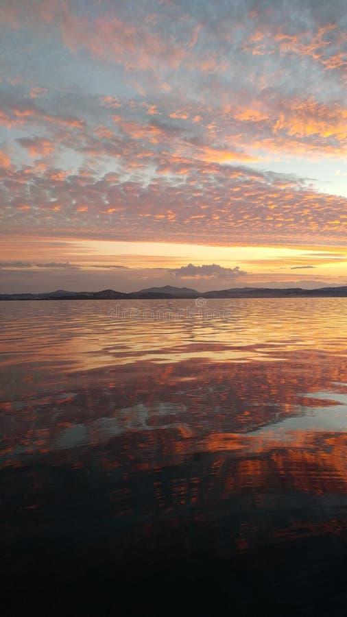 Überwachen des Sonnenuntergangs stockfoto