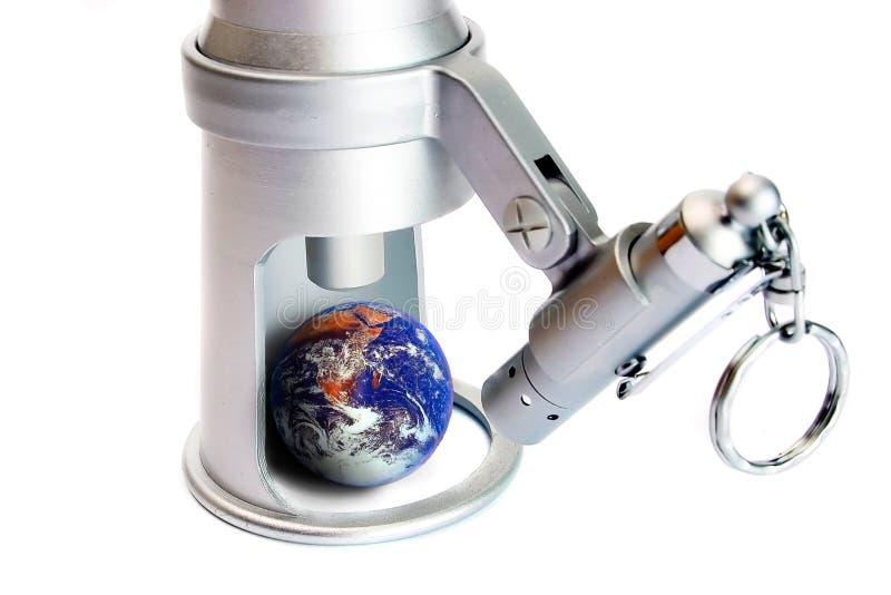 Überwachende Erde, Auge auf Welt lizenzfreie stockfotografie